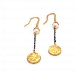 Dangling chain earrings with motif Alexander the Great