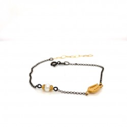 Bracelet with chain, adorned with a pearl and motif Lyra