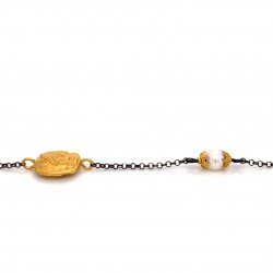 Bracelet with chain, adorned with a pearl and motif Goddess Athena