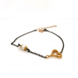 Bracelet with chain, adorned with a pearl and motif Heart