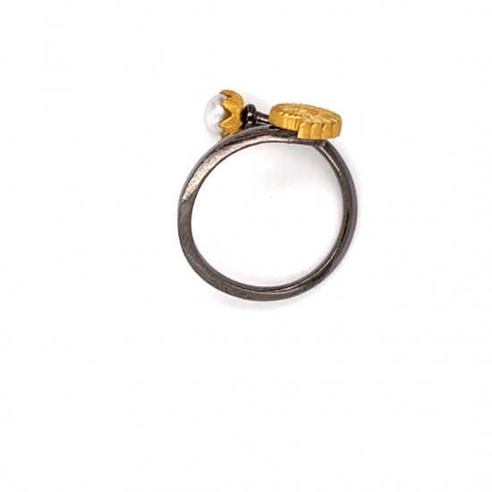 Silver ring with two platings, pearl and motif Naytilos