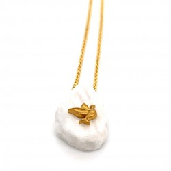 Chain necklace with greek marble and a goldplated element Dove