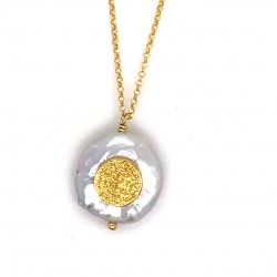Chain necklace with a mother of pearl and silver motif Phaistos disc