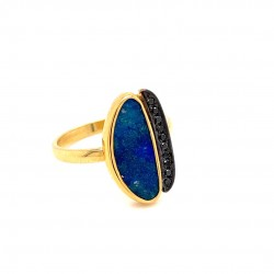 Gold ring K18 with an impressive original blue opal and black brilliants