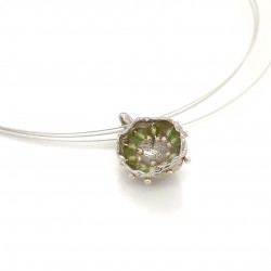 Mobile silver pendant hollow bezel with peridot