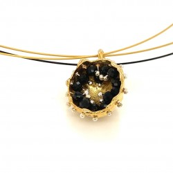 Mobile goldplated pendant hollow bezel with black spinel