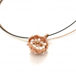 Mobile rose goldplated pendant hollow bezel with fresh water pearls