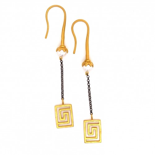 Dangling chain earrings with motif Maiandros