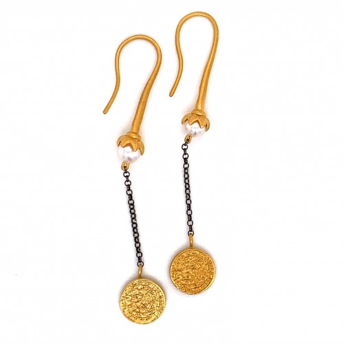 Dangling chain earrings with motif Faistos