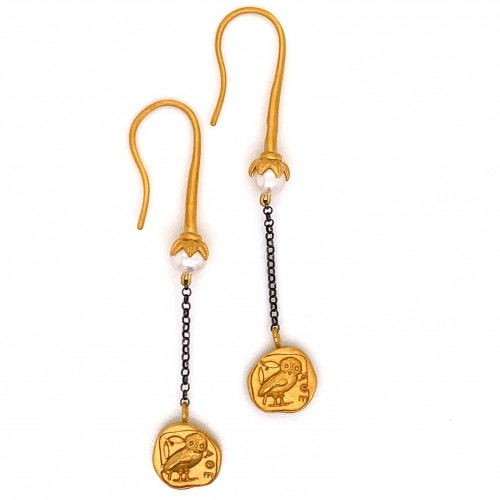 Dangling chain earrings with motif Owl