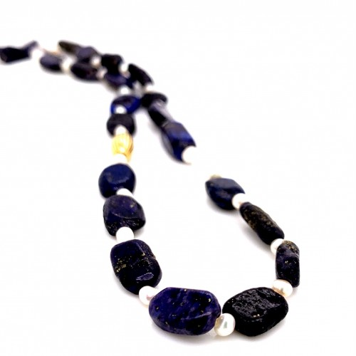 Lapis lazuli nuggets and baby pearls knotted neckl...