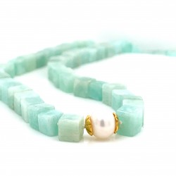 Amazonite knotted necklace with 18K gold elements and a pearl