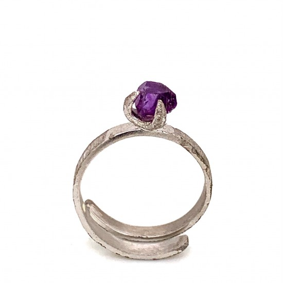 Ring with rough amethyst, nairobi collection