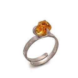 Ring with rough citrine, nairobi collection