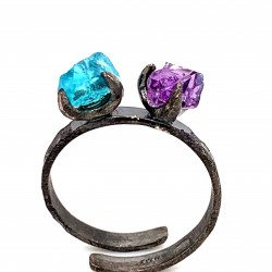 Ring with two rough stones apatite and amethyst, nairobi collection