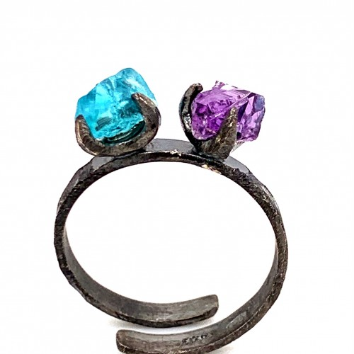 Ring with two rough stones apatite and amethyst, n...