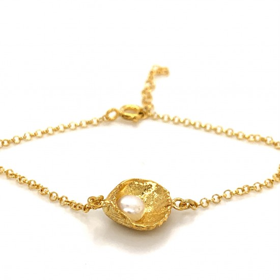 Shell bracelet  with freshwater pearl from 925 sterling silver gold plated