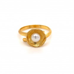 Ring with pearl, adjustable, gold, mini shield