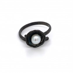 Ring with pearl, adjustable, black, mini shield